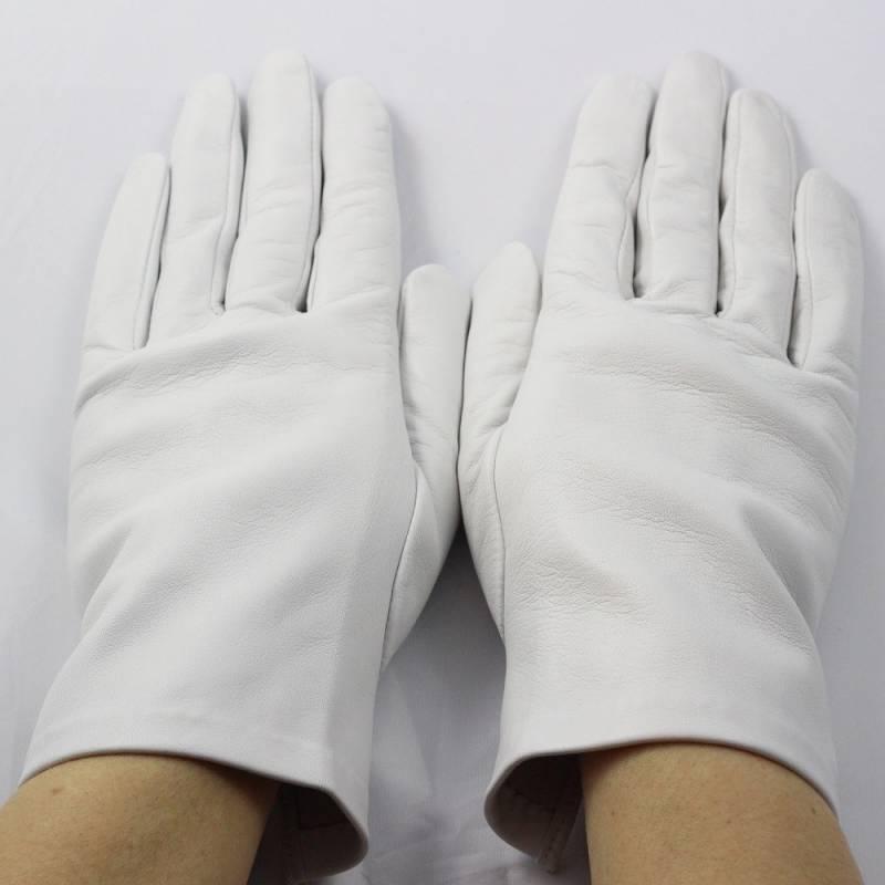 6112e4cf859 Gants blanc cuir agneau femme